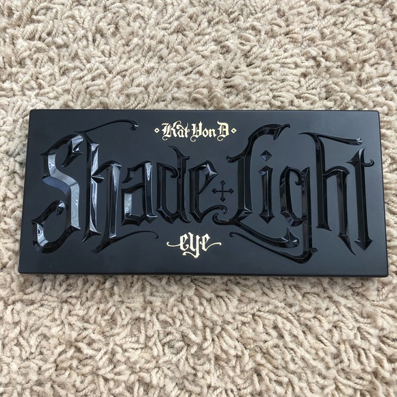 Kat Von D Other - Kat Von D Shade + Light Eye Contour Palette